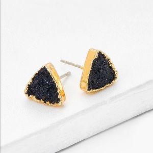Contrast triangle design stud earrings